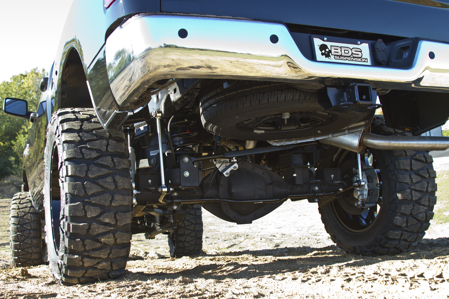 Dodge ram 2500 w 4 lift and 37 tires hi res image dodge_2500_14k_4in_c jpg