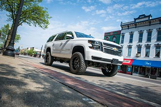 """2016 Chevy Suburban w/ BDS 6"""" Lift Kit and 35s"""