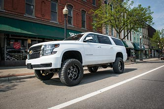 "Chevy/GMC SUV w/ BDS 6"" Lift Kit"