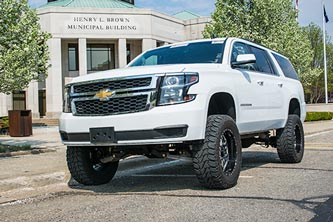 "2016 Chevy Suburban w/ BDS 6"" Lift Kit and 35s"